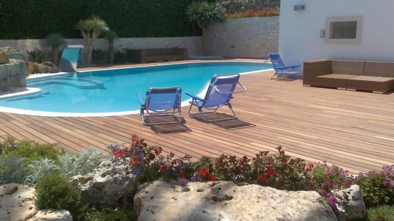Foto 39 s - Terras teak zwembad ...